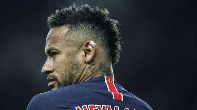 Megabintang Paris Saint-Germain (PSG), Neymar
