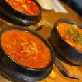 キムチチゲ - 実際訪問したユーザーが直接撮影して投稿した歌舞伎町韓国料理和豚焼肉 サムギョプサル 黒毛和牛ハヌリ新宿歌舞伎町ゴジラ通り店の写真のメニュー情報