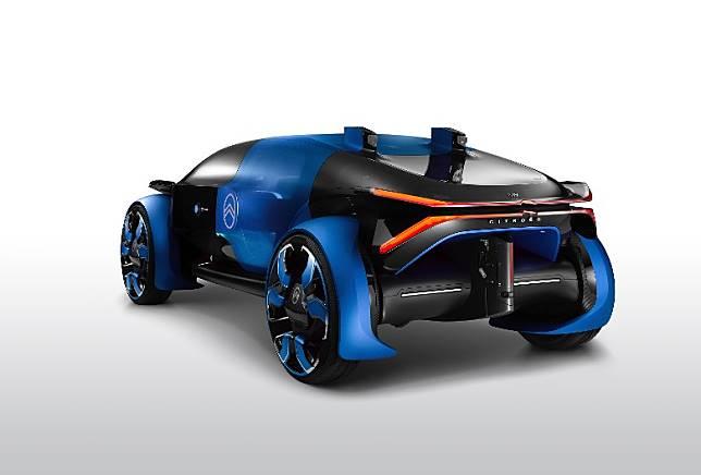 車頂裝有2組LIDAR 光學雷達,有助提高自動駕駛系統的可靠度。(互聯網)
