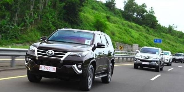 Toyota Fortuner (TAM)