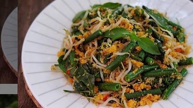 Sajian Urab Sayuran Bikin Makan Makin Selera, Intip Resepnya Moms