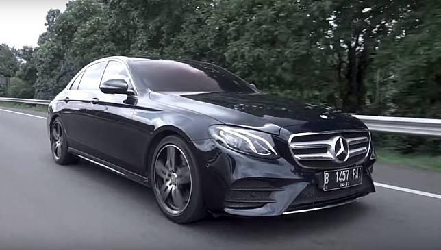 Mercedes-Benz E 300 AMG Line