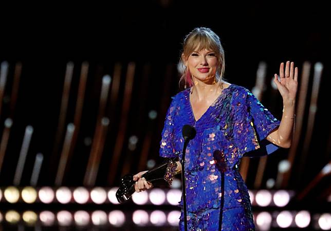 Singer Taylor Swift receives the Tour of the Year award during the iHeartRadio Music Awards in Los Angeles, California, US, March 14, 2019.