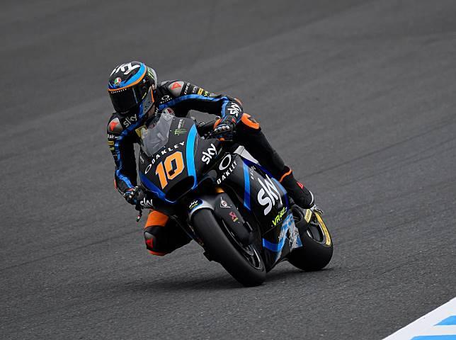 Adik Valentino Rossi, Luca Marini berhasil meraih pole position, sementara Dimas Ekky start dari posisi ke-25, berikut hasil kualifikasi Moto2 Jepang