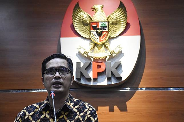 Bupati Subang terima gratifikasi sejak 2014 lewat bawahannya