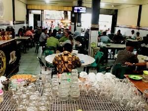 Warga Banda Aceh Sudah Bebas Minum Kopi di Warkop