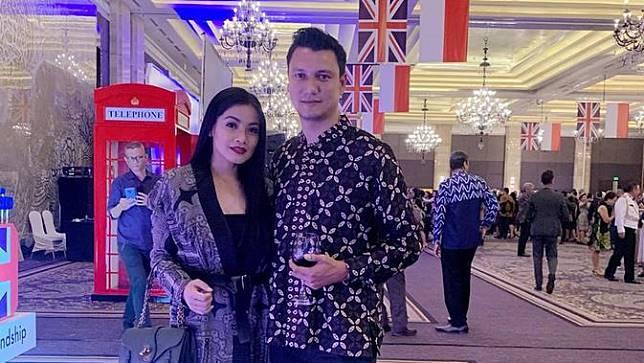 [Fimela] Titi Kamal dan Christian Sugiono