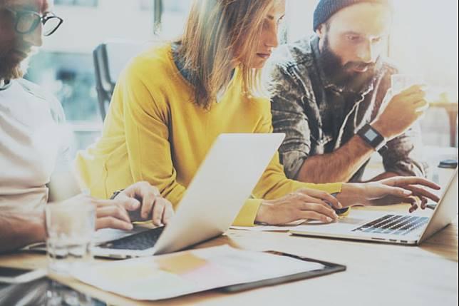 Plus Minus Bekerja di Startup Digital