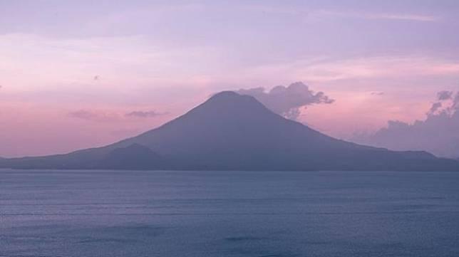Ilustrasi gunung api. (Pexels/Roberto Nickson)