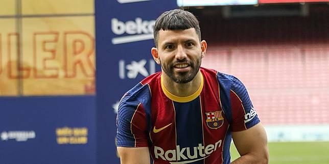 Sergio Aguero diperkenalkan sebagai pemai baru Barcelona pada Selasa (1/6/2021) dinihari WIB. (c) AP Photo