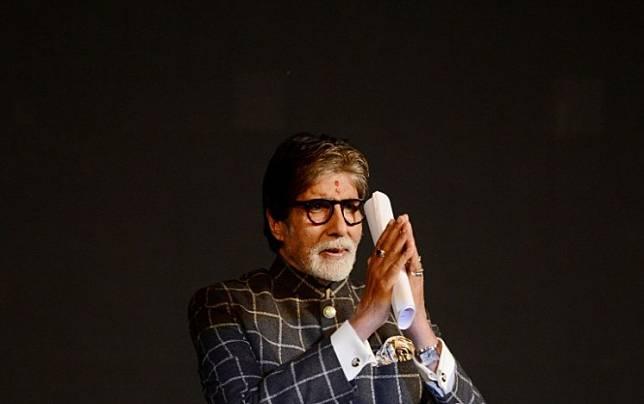 Indian Bollywood actor Amitabh Bachchan at the 24th Kolkata International Film Festival in Kolkata on November 10, 2018.