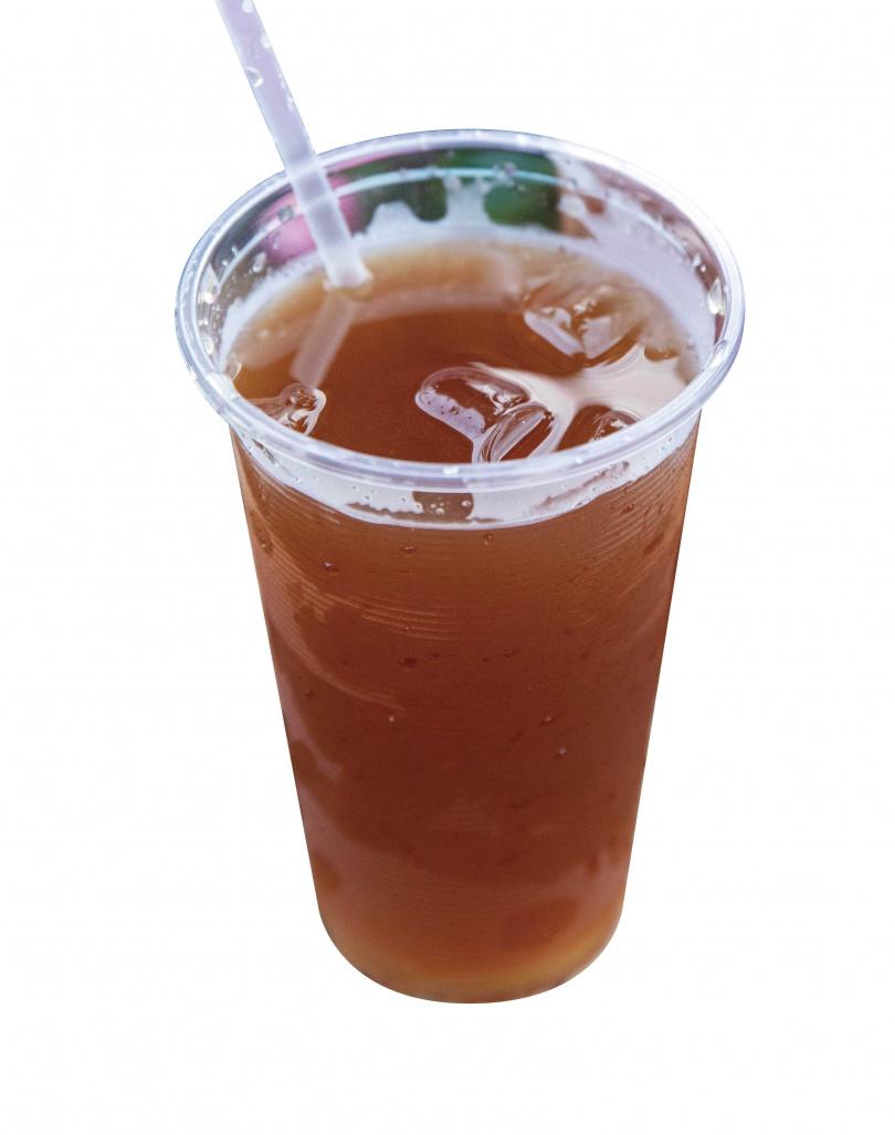 兌入新鮮檸檬汁的「冬瓜檸檬」,兼具冬瓜茶的厚韻與檸檬的清香。(25元/杯)(圖/宋岱融攝)