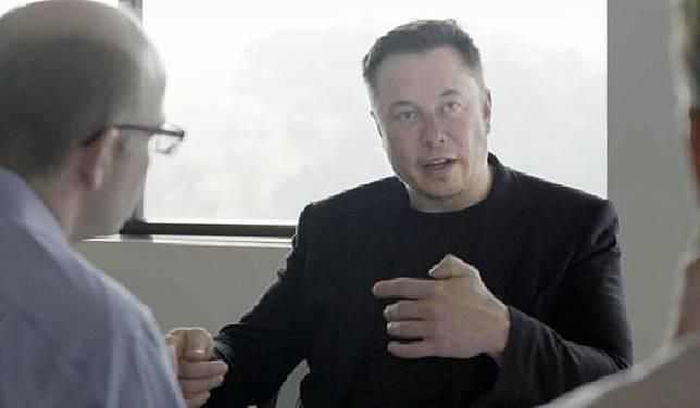 Elon Musk mengatakan kemungkinan 70 persen dirinya akan pindah ke Mars. Kredit: Engadget
