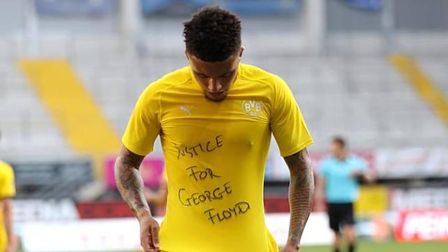Selebrasi Pemain Dortmund Dukung George Floyd
