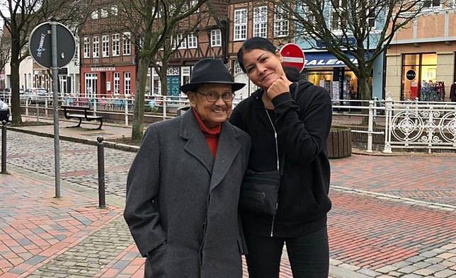 Melanie Subono Ucapkan Terima Kasih Pada BJ Habibie yang Mengajarkannya Jadi Pemberontak
