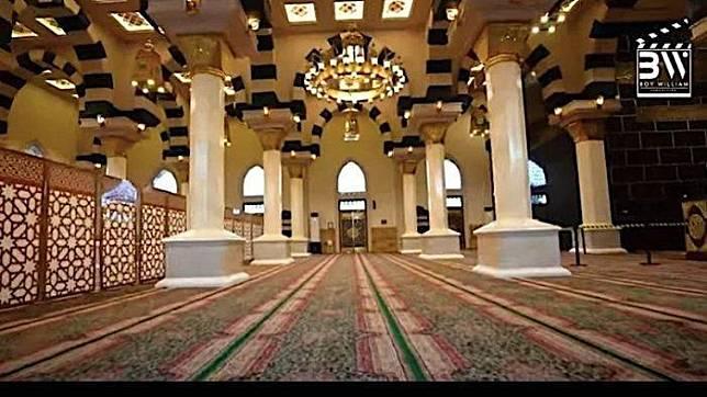Masjid di rumah Ovi Dian