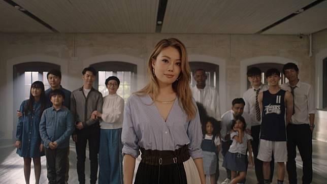 容祖兒希望藉故事勉勵香港人。