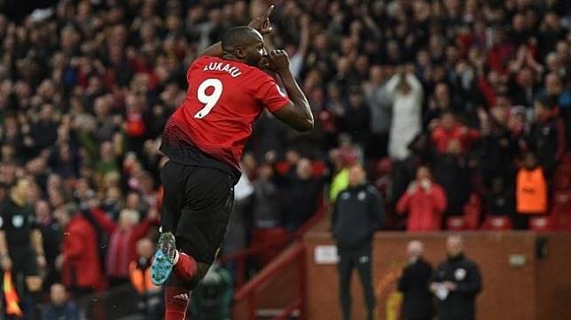 Penyerang Manchester United, Romelu Lukaku merayakan golnya ke gawang Southampton pada laga pekan ke-29 Liga Inggris 2018/2019 di Old Trafford, Sabtu (2/3/2019) malam WIB, [Oli SCARFF / AFP]