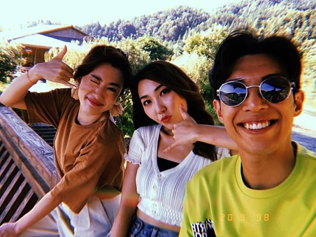 Angel、吳紫韻、林師傑一齊拍旅遊節目。