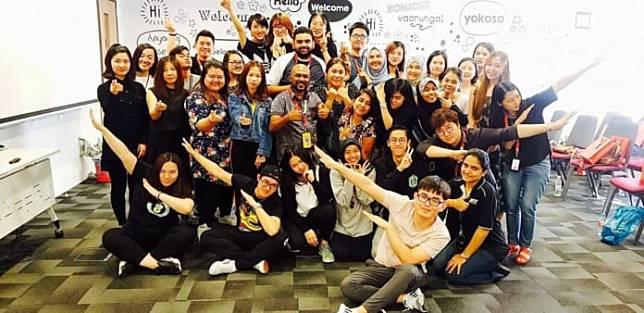Kekompakan tim Teledirect Telecommerce dari beragam negara di Asia. (dok. Farah Dhiba Putri Liany)