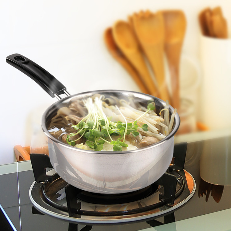 <產品規格> HIKARI日光生活-H002-2艾爾福特單把不鏽鋼湯鍋18cm-1組 產品規格:內徑18CM高8.5CM厚0.045CM 產品材質:430不鏽鋼 產地:MIT台灣 重量:300G±5%