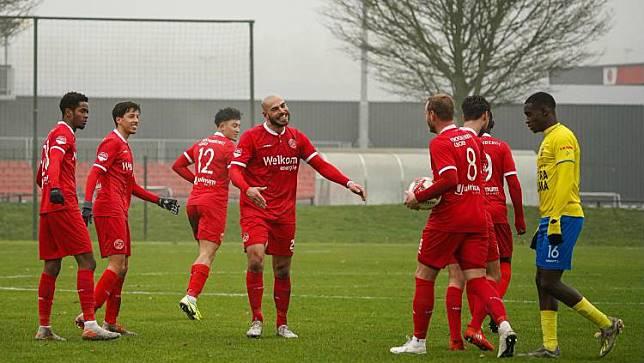 Sempat Ngebet Ke Liga 1 Bintang Liga Belanda Ini Malah Gabung Eks Klub Ezra Walian