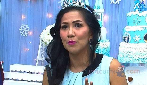 Vania Athabina Tanya Soal Ayah, Begini Jawaban Venna Melinda