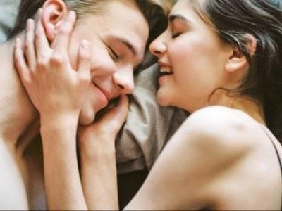 7 Makna dari Posisi Tidur Bersama Pasangan