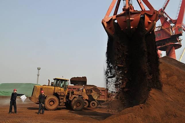 Beleaguered Siberia iron ore miner gets boost from Brazil mine shutdowns