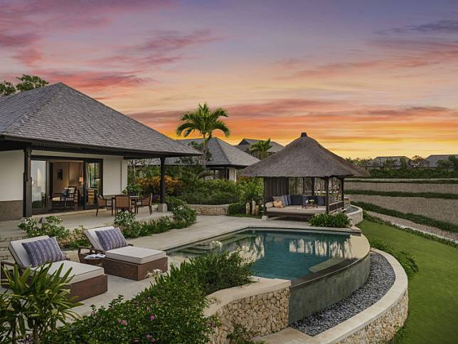Situated in Bali's famous tourist area of Jimbaran Bay, the property boasts