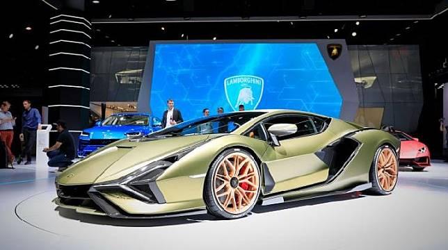 Mobil konsep Lamborghini Sian FKP 37 dipamerkan di Frankfurt Motor Show 2019. (Stefan Baldauf / Guido ten Brink for Carscoops)