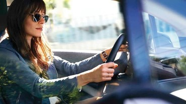 高通在 CES 2019 展示亞馬遜 Alexa 車載語音助理功能,動口就能播放音樂、影片、電視、有聲書
