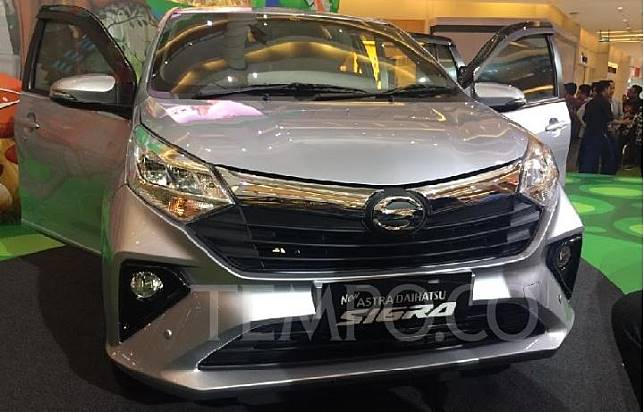Tampilan baru Daihatsu Sigra yang dluncurkan di Summarecon Mall Serpong, Tangerang, Banten Senin 16 September 2019. TEMPO/Khairul Imam Ghozali