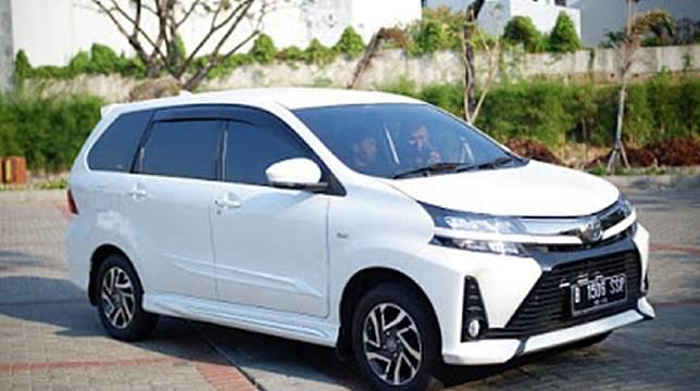 5 alasan memilih Toyota New Veloz sebagai mobil keluarga.
