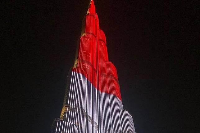 LED Burj Khalifa Tampilkan Bendera Indonesia
