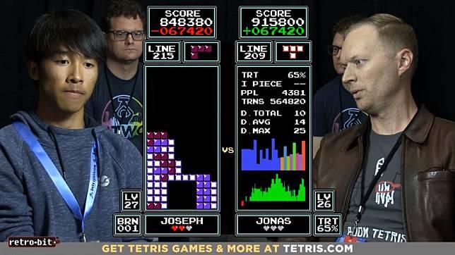 เด็กหนุ่มมหัศจรรย์วัย 16 ปี โชว์โหดตบแชมป์โลก Tetris 7 สมัยร่วงคาเวที