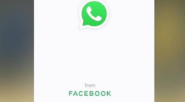 Tampilan baru WhatsApp dengan mencantumkan tag From Facebook. (thesun.co.uk)