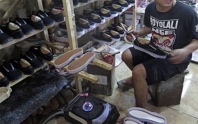 Dari Home Industry di Cikupa hingga Distribusi Kolongan di Sukabumi ... 1fff0b26df