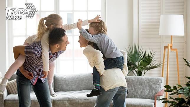 有網友詢問是不是沒生小孩過得比較好 (示意圖/TVBS)