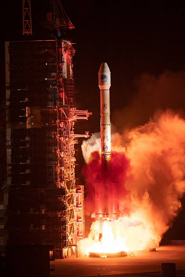 Chinese scientists test satellite positioning technology