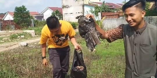 Muncul Lagi Youtuber Bagikan Sampah. YouTube Edo putra Official ©2020 Merdeka.com