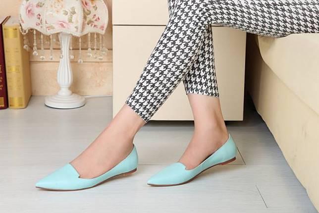 80+ Gambar Model Sepatu Yang Cocok Untuk Kaki Kecil Terbaik