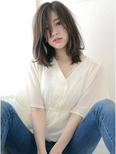7 Model Rambut Yang Cocok Untuk Wanita Usia 30 An Agar Terlihat Awet Muda Womantalk Com Line Today