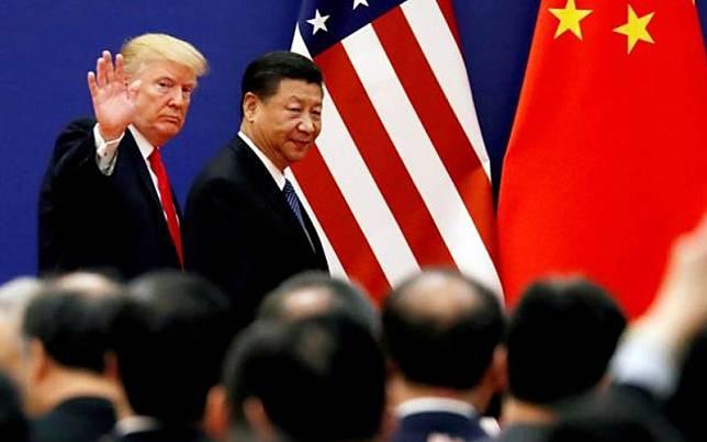 Presiden Amerika Serikat Donald Trump (kiri) bersama Presiden China Xi Jinping dalam sebuah pertemuan di Beijing, China, Kamis (9/11/2017)./Reuters-Damir Sagolj