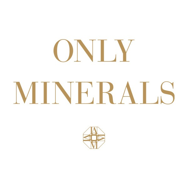 ONLY MINERALSロゴ