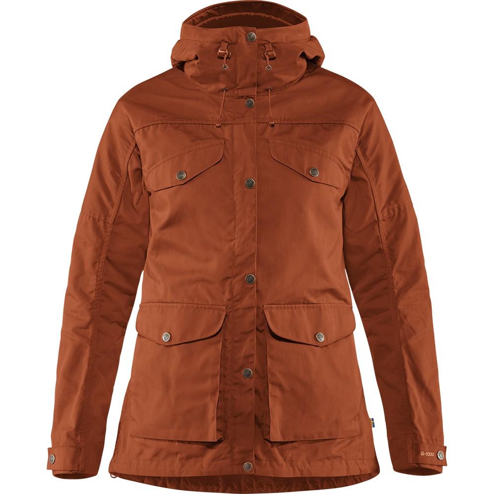 顏色以實品為準。 這件外套有著與Vidda/Barents Pro trousers相同的設計理念,都使用了適合登山健行的耐用G-1000® Eco布料。因著G-1000® Eco強大的功能,即使要應