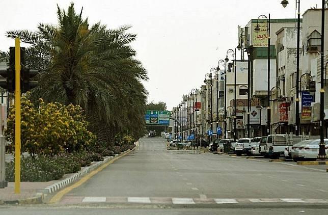 Suasana karantina wilayah atau lockdown akibat virus corona di Provinsi Qatif, Arab Saudi.