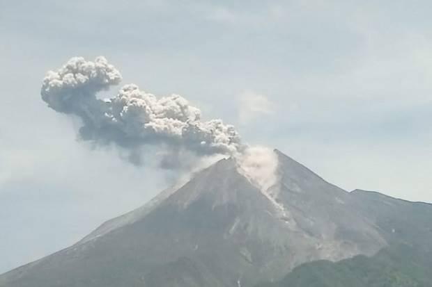 Gunung Merapi Erupsi di Minggu Pagi, Ini Himbauan Dari BNPB