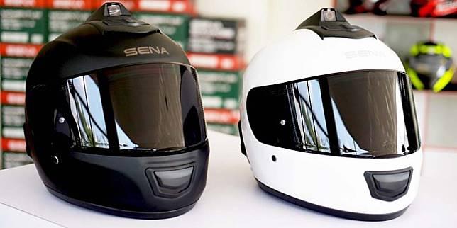 Helm interkom dan kamera HD (Istimewa)