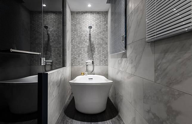 光潔舒適的浴缸